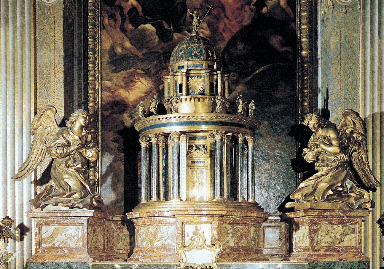 Ciborium in gilt bronze - Gianlorenzo Bernini - St. Peter's Basilica - www.visit-vaticancity.com