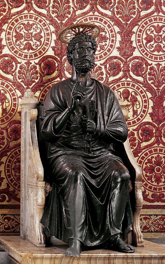 St. Peter bronze statue in St. Peter's Basilica - www.visit-vaticancity.com