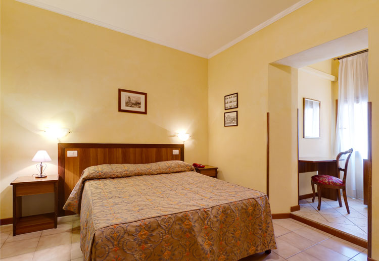Hotel Cisterna - Vatican City - Rome