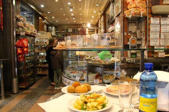 Franchi drugstore  gastronomia - Vatican City - Rome